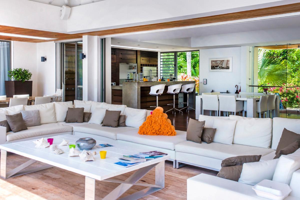 Location villa Lorient - Le coin salon de la terrasse