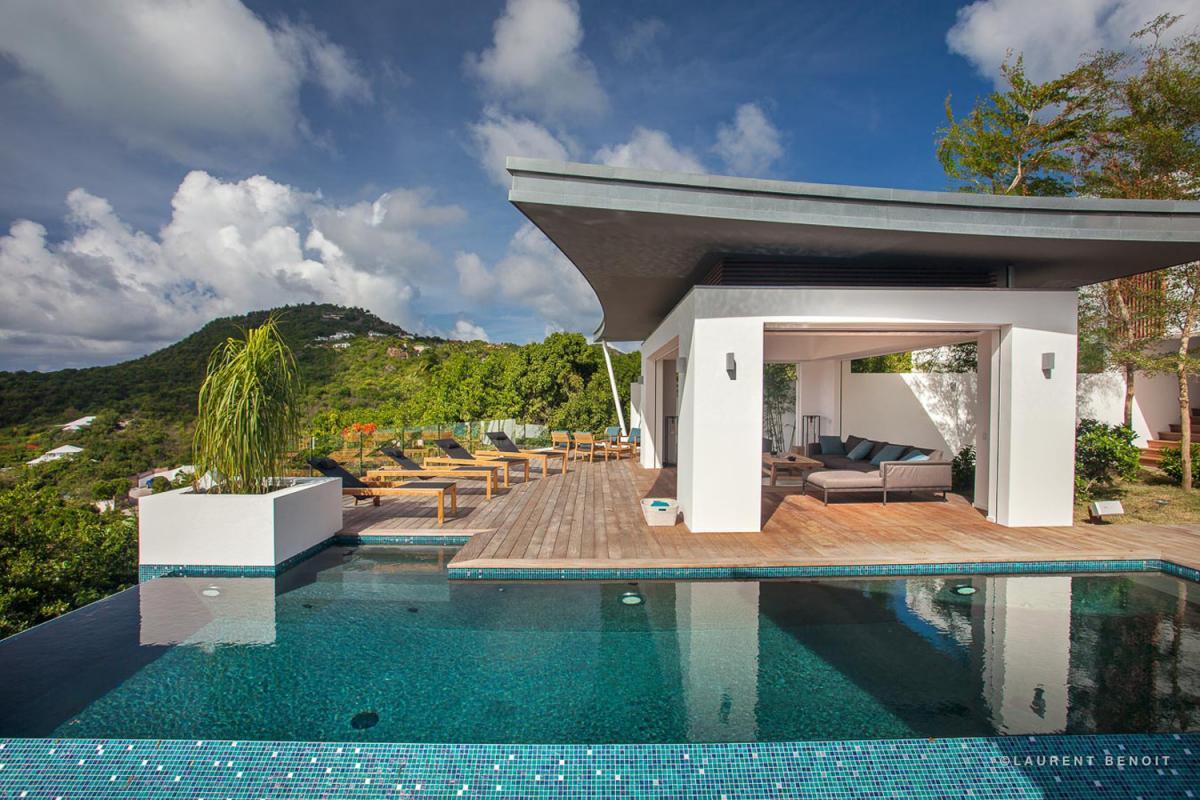 Location villa Saint-Jean - La terrasse et la piscine