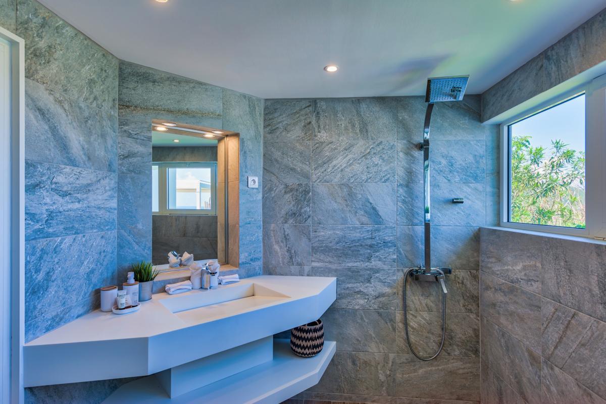 Location villa de luxe Saint Martin, Baie Orientale - Salle de bain chambre 1