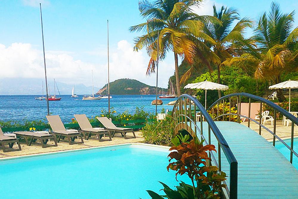 Reservation hotel Le Bois Joli aux Saintes en Guadeloupe ~ Hotel Du Bois Joli Les Saintes