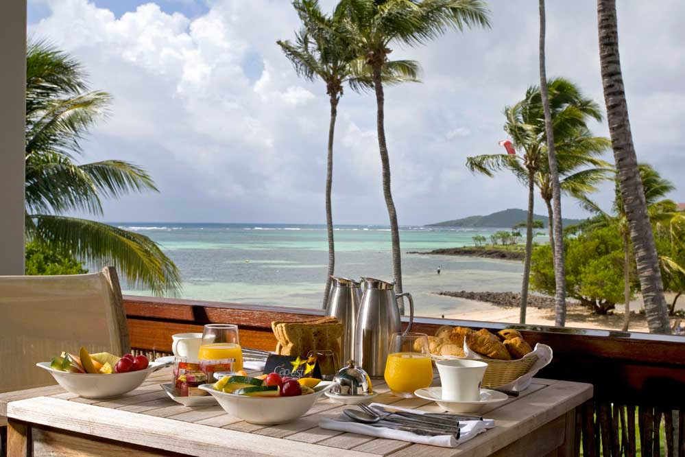 Vendredi 11 juillet Cap-Est-Lagoon-Petit-dejeuner-en-suite