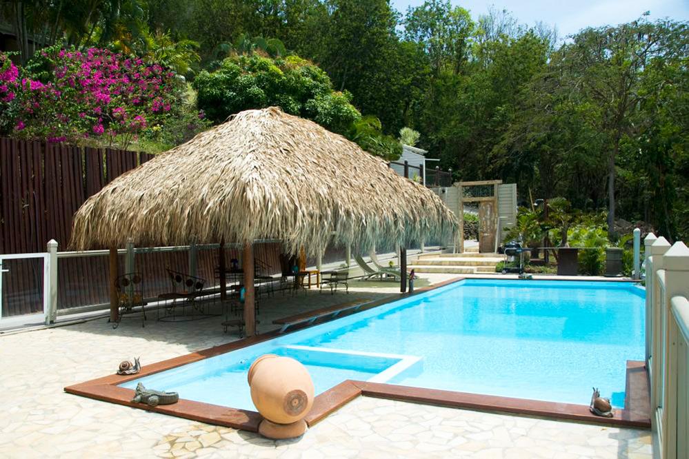 location guadeloupe villa de luxe avec piscine et vue mer. Black Bedroom Furniture Sets. Home Design Ideas