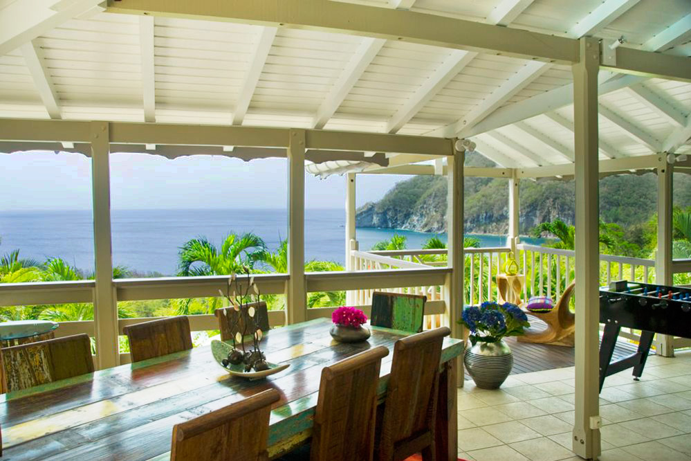 Location guadeloupe villa de luxe avec piscine et vue mer for Villa luxe mer
