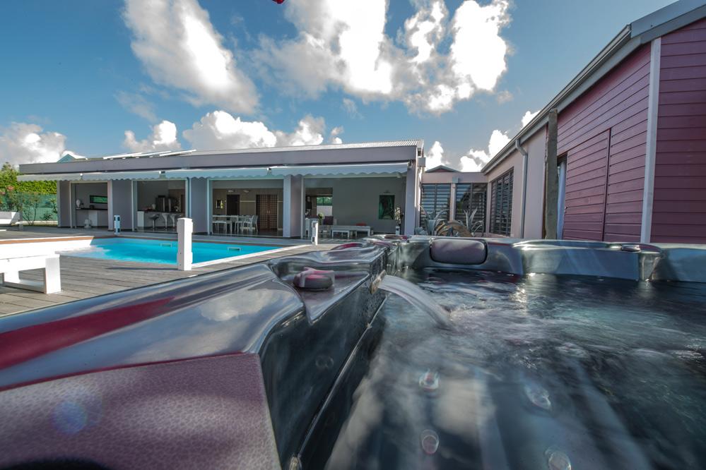 Location De Villa De Luxe En Guadeloupe   Piscine  Saint