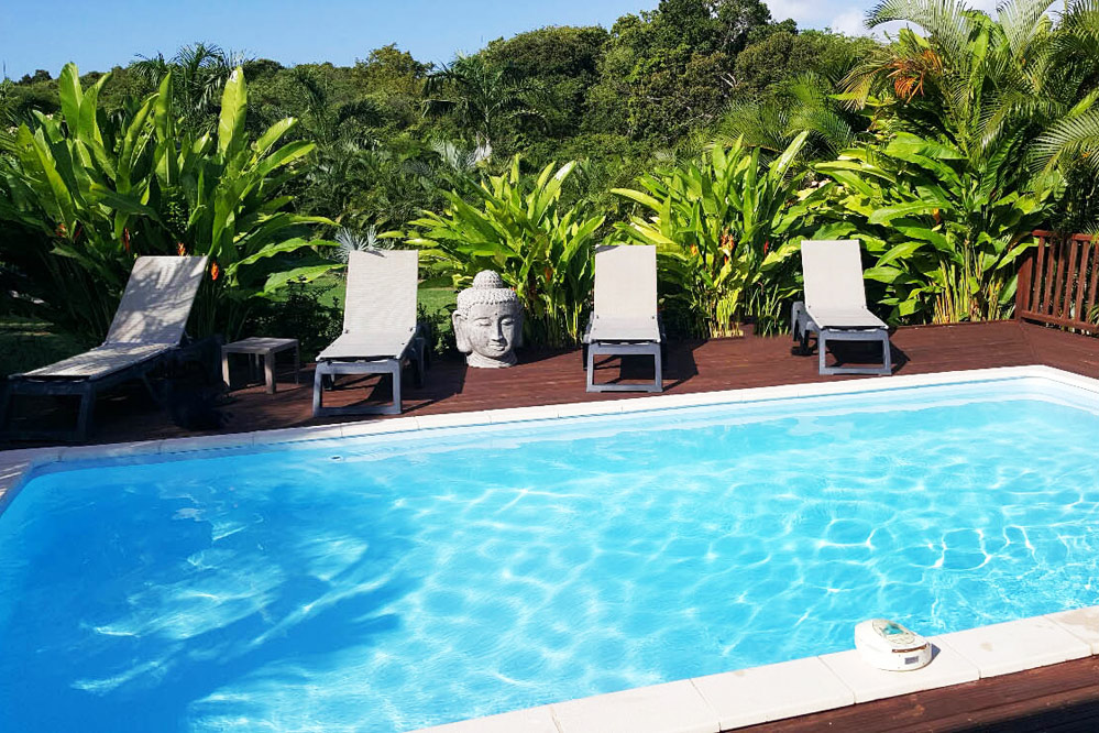 location villa de standing guadeloupe avec piscine 3 chambres. Black Bedroom Furniture Sets. Home Design Ideas