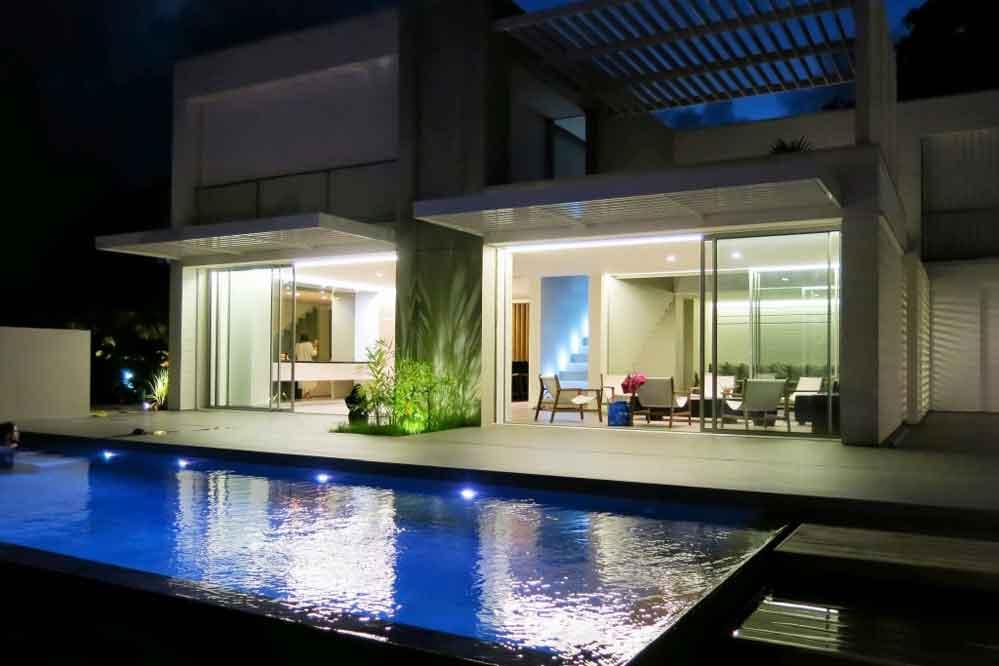 Location villa prestige le fran ois 14 personnes for Villa de prestige