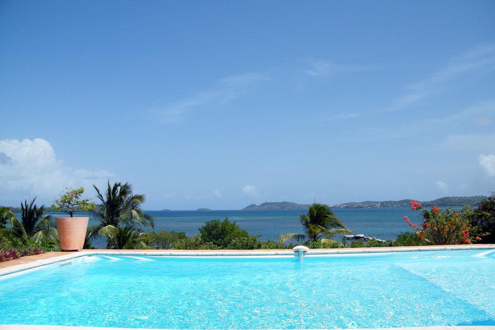 Location villa h tel voyage en martinique en for Villa piscine martinique