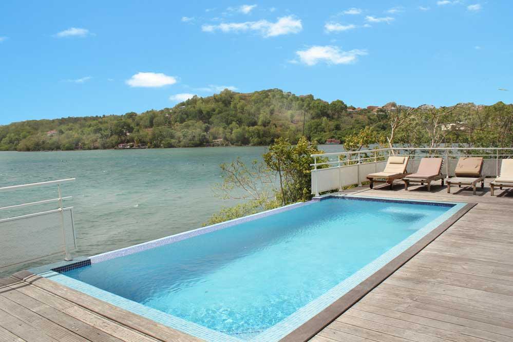 Location villa luxe trois ilets martinique for Villa piscine martinique