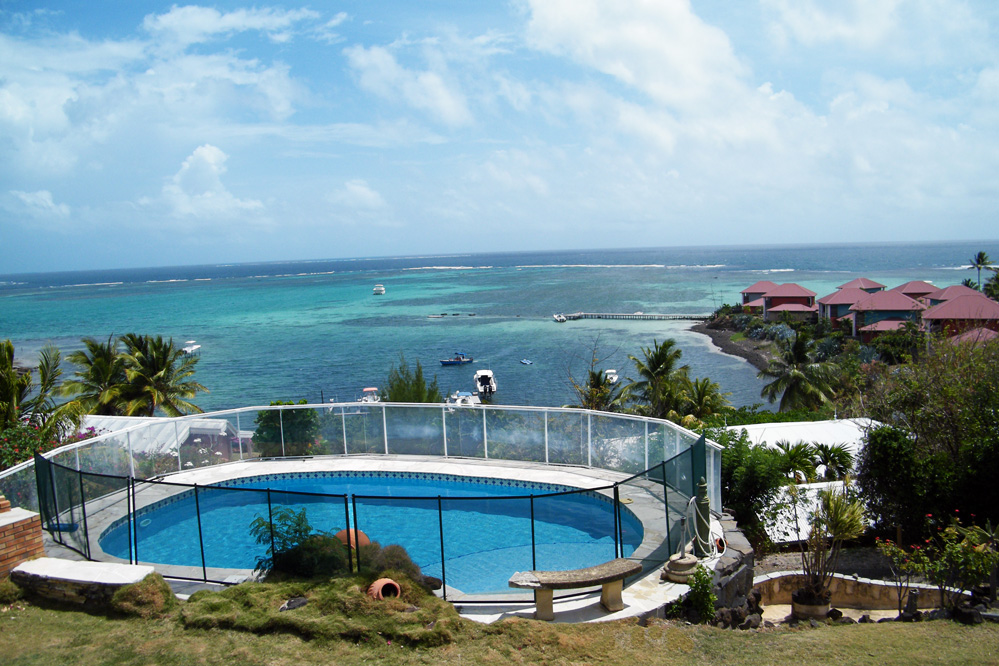 Location de villa en martinique piscine cap est le fran ois for Piscine vitry le francois
